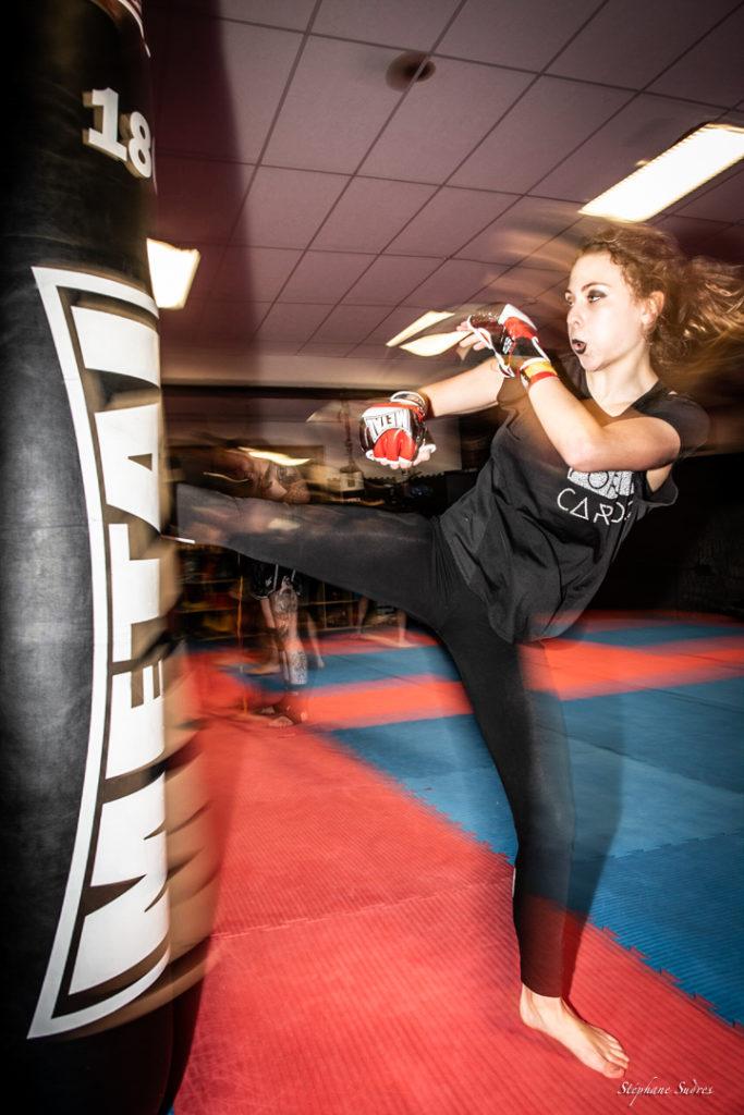 Une boxeuse dynamique