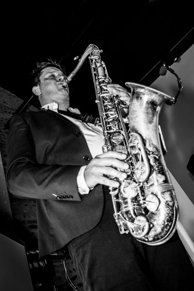 Sam le saxophoniste au mariage toulousain du Manoir du Prince