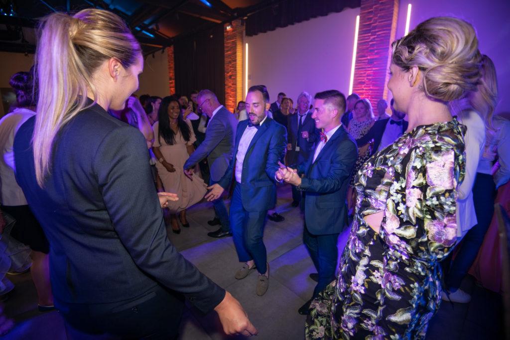 Soirée dansante lors du mariage toulousain d'Emmanuel et Kevin